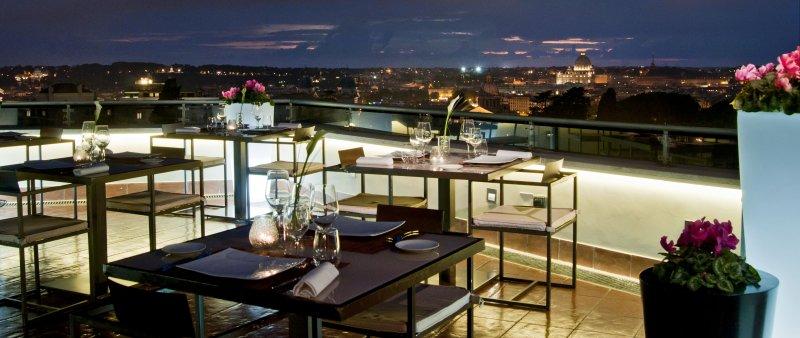 la terrasse cuisine lounge dress code. Black Bedroom Furniture Sets. Home Design Ideas